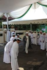 Syaikhuna menuju Masjid