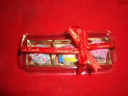 FERRERO ROCHALLE RAINBOW POP CAKE