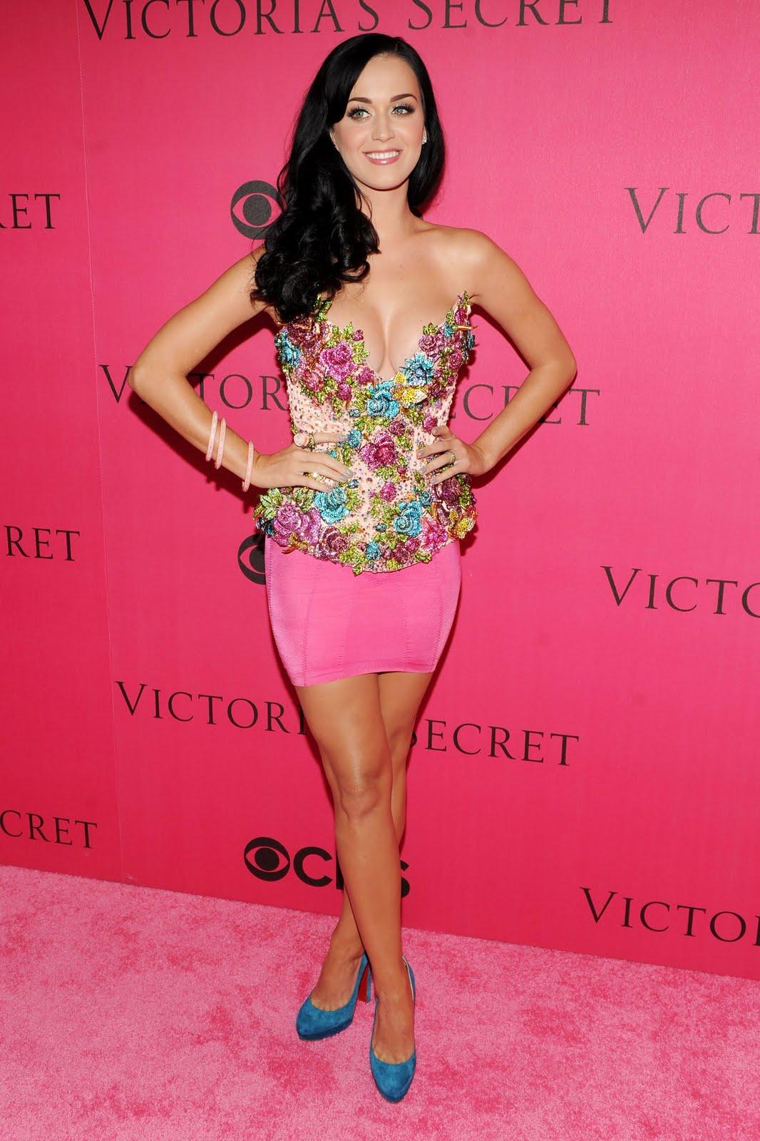 http://3.bp.blogspot.com/_LTi0R8IRkIs/TQFKufoiW-I/AAAAAAAAFMk/Rpp5xMlLIyE/s1600/Katy_Perry_2010_Victorias_Secret_Fashion_Show_012_122_113lo.jpg