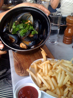Monday Night Mussels