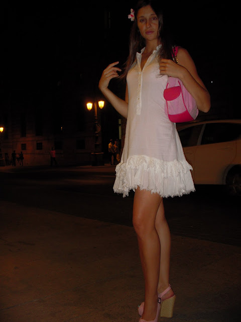 Mujeres vestidos transparentes calle