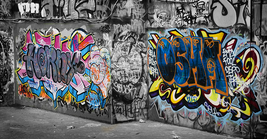 London Graffiti tags Street