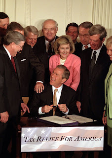 Bush signs the tax increase of 2001