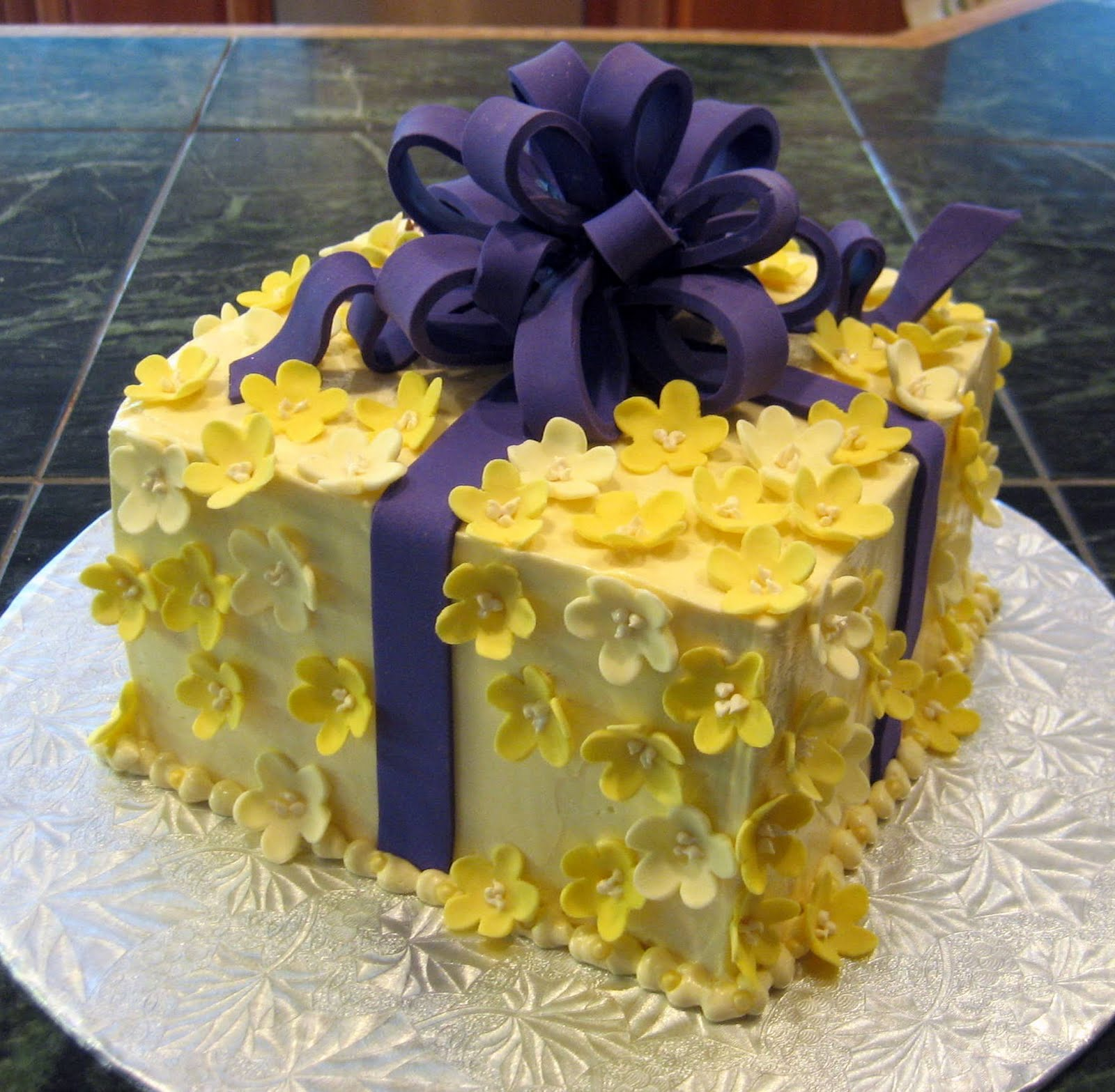Jillicious Discoveries: Surprise Birthday Gift Cake (And