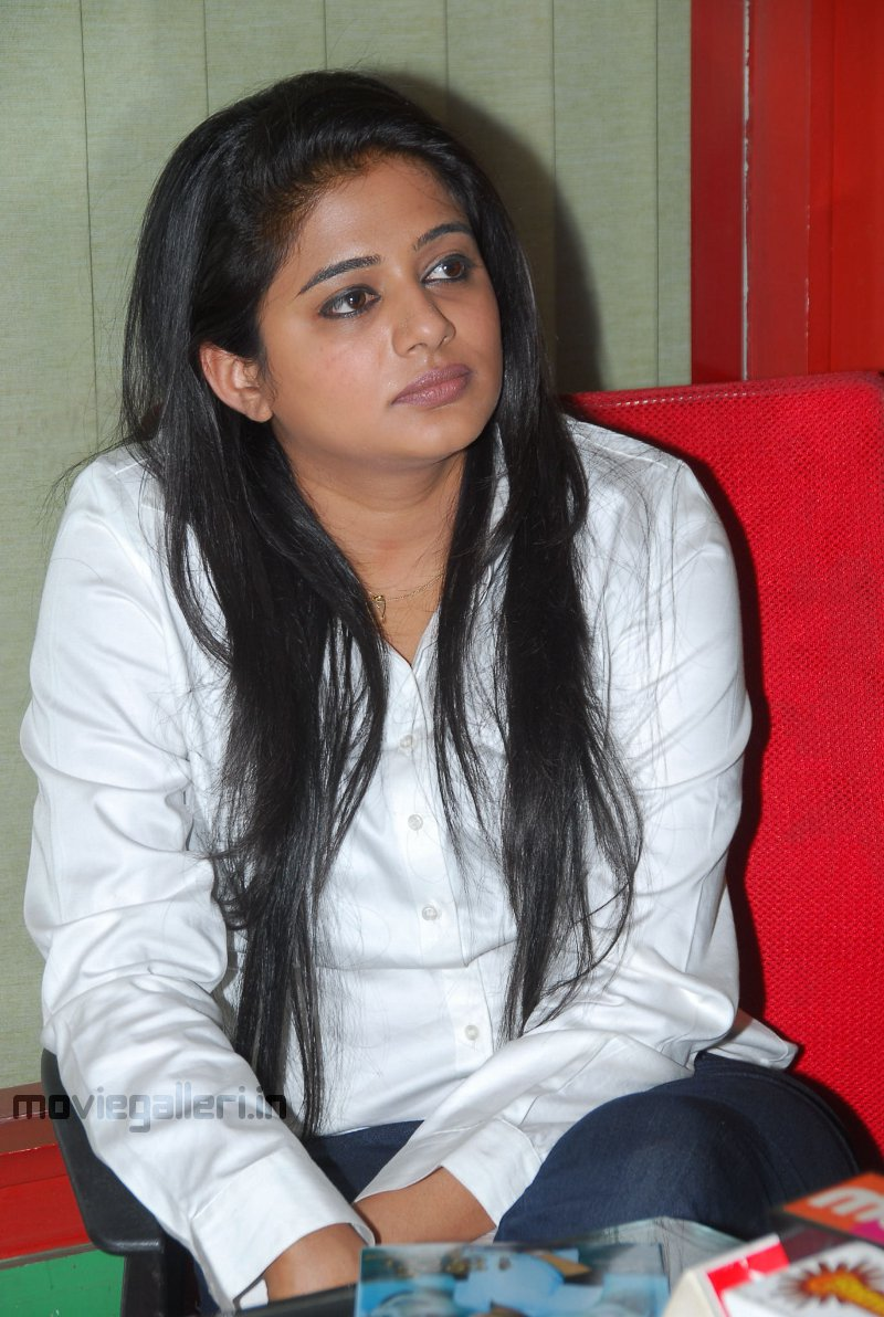 actress priyamani latest pictures priyamani cute pictures priyamani ...