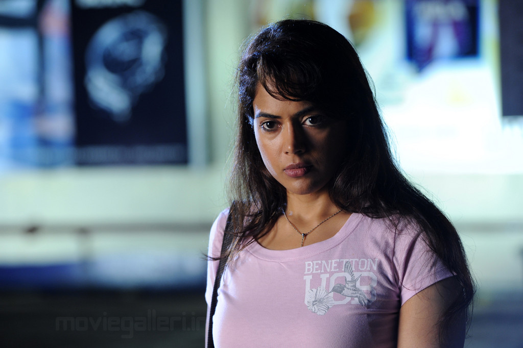 Sameera Reddy Latest Still from Erra Gulabeelu Telugu Movie