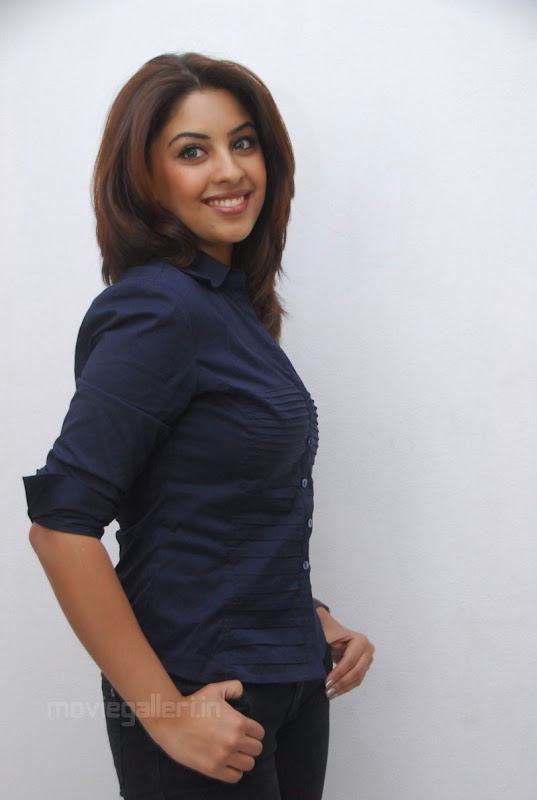 Richa Gangopadhyay Latest Photo Shoot Stills glamour images
