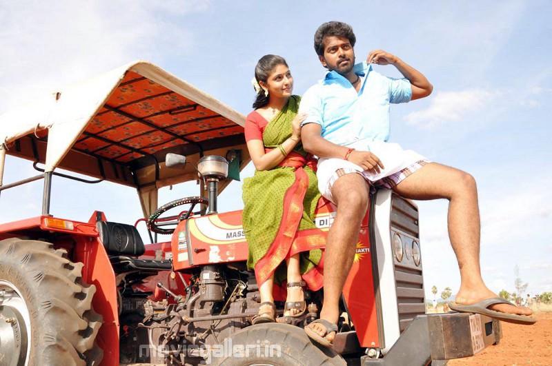 Muthuku Muthaga Tamil Movie Trailer | Review | Stills
