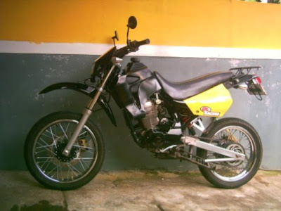 Modifikasi Honda GL-100 Supermoto - Foto Gambar Modifikasi Motor