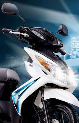 Compare Yamaha Xeon 125 vs Honda Scoopy 110