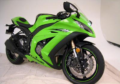 http://3.bp.blogspot.com/_LbFB-mIBjYI/TQT1iYMPgRI/AAAAAAAADzg/HLAW5Q8kWqk/s400/2011-kawasaki-ninja-zx-10r.jpg