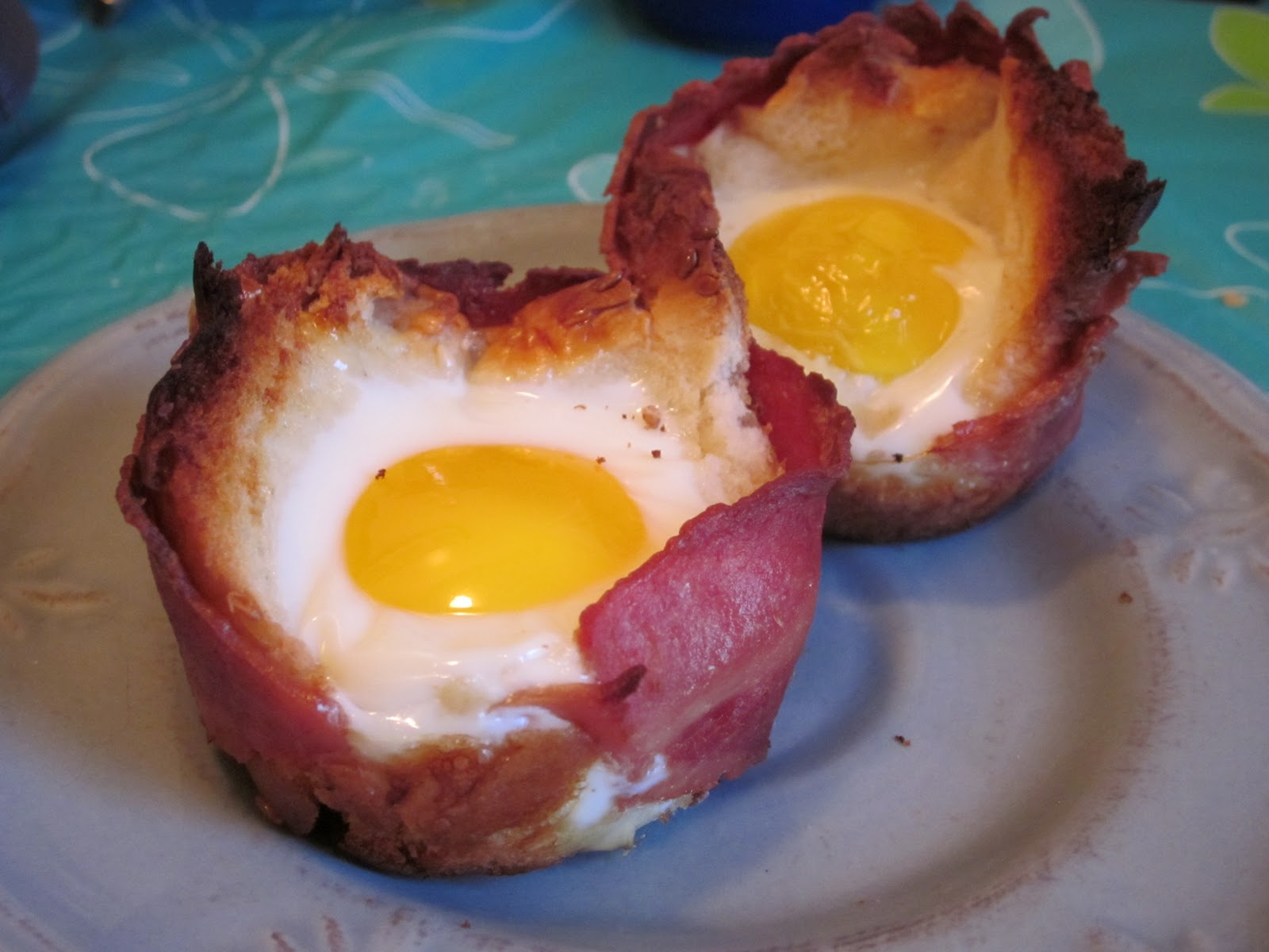 Dalia's Delights: Turkey Bacon and Egg in Toast Cups