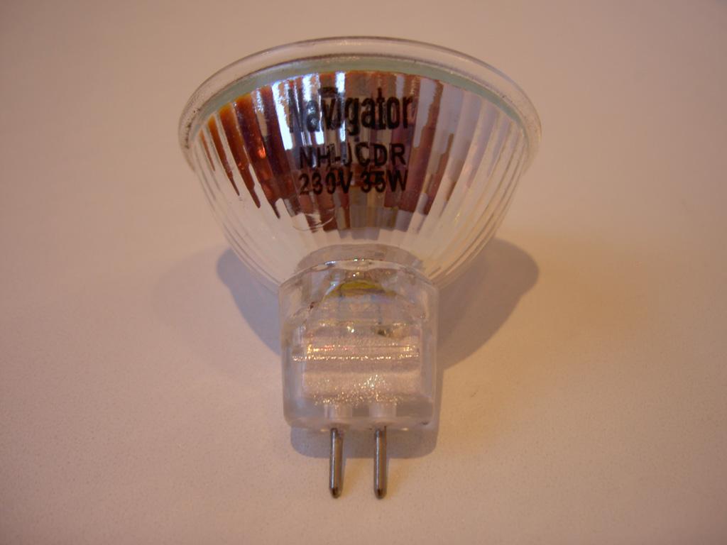 выключатели со светодиодной подсветкой - 2 шт. и розетки, сетевые сдвоенные - 5 шт., антенная - 1шт. ( Anam-Legrand)...