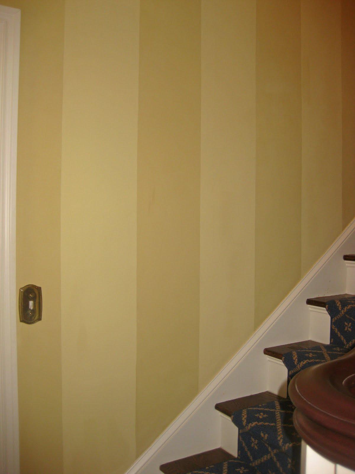http://3.bp.blogspot.com/_LfAXthnifgA/TIgY34AZW5I/AAAAAAAAAyw/cygNB95nyAI/s1600/Farrow+Creme+Stripes.jpg