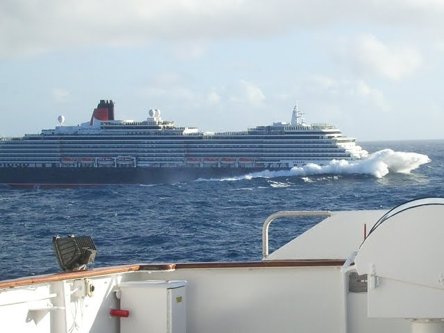 Fixer Gordon Rough Seas - Cruise ship in rough waters