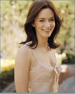 Emily Blunt-THE YOUNG VICTORIA Movie Stars