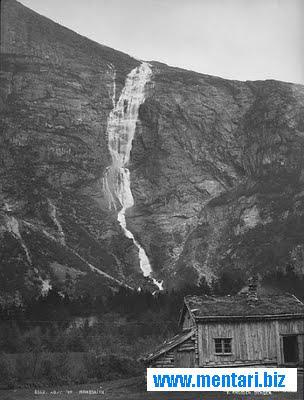 Monge Falls