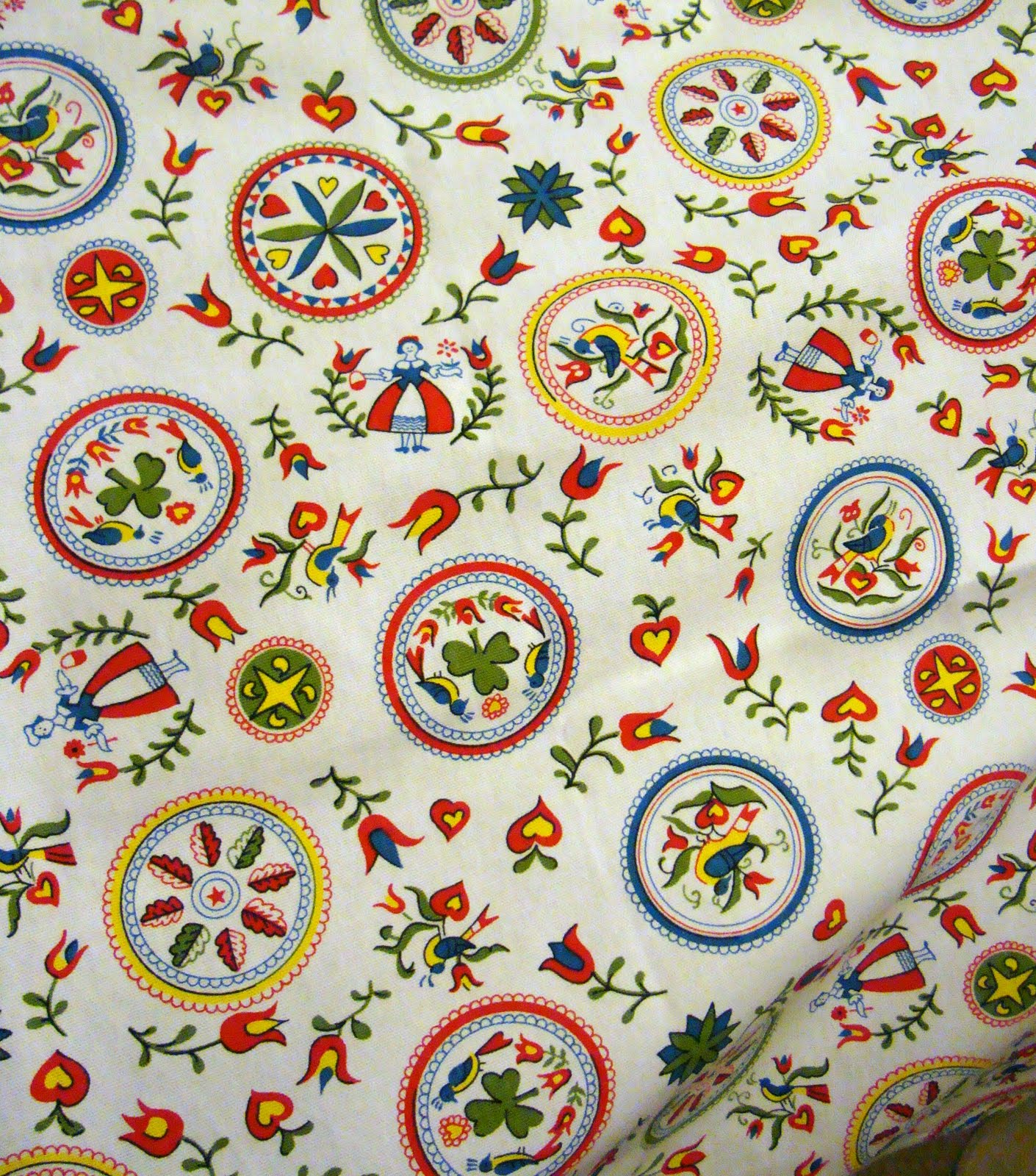 Fabric friday tablecloths fredas hive fabric friday tablecloths biocorpaavc Images