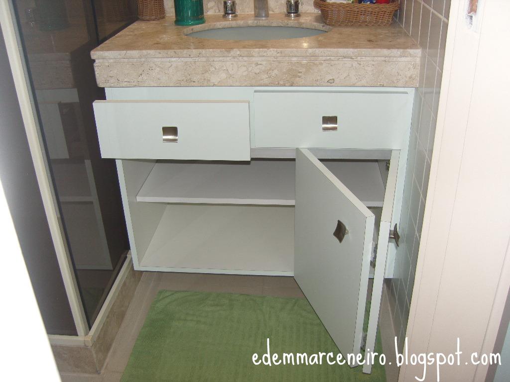 Armário de Banheiro com porta sanfonada  Edem Marceneiro -> Como Fazer Um Armario De Banheiro De Mdf