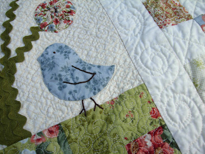 Sweet Tweets quilting detail
