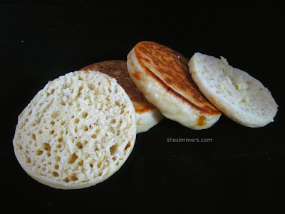 Homemade english muffins complete with nooks and crannies shesimmers when i read the recipe and saw that the dough would be so soft that you would have to scoop it into the muffin rings with an ice cream scooper forumfinder Gallery