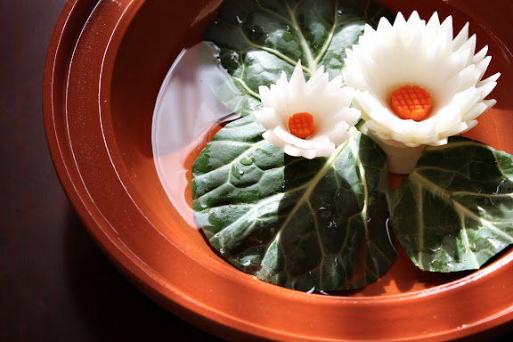 Easy vegetable carving lotus bowl centerpiece