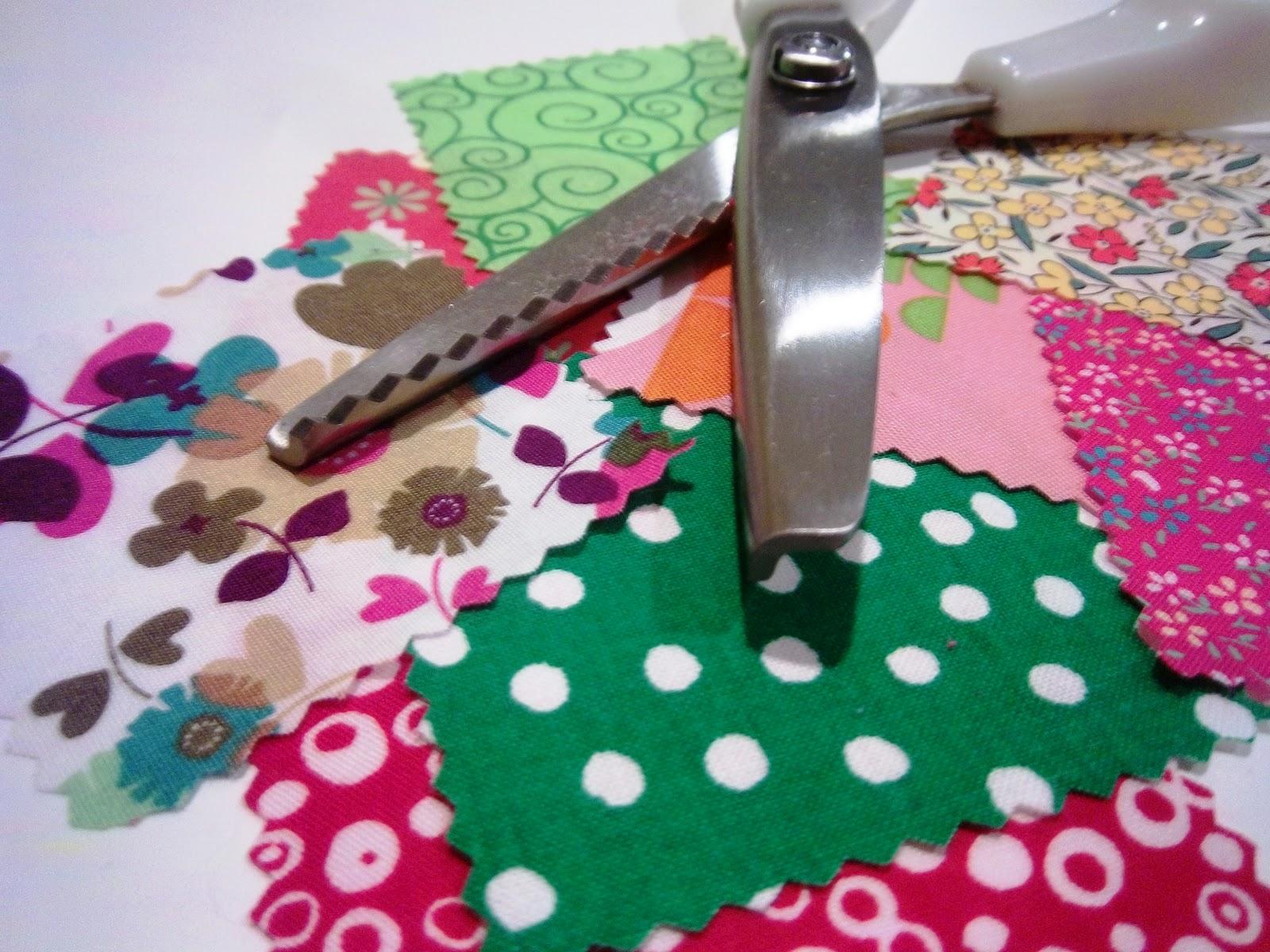 Jane of all Trades: Pocket o' chocolate holiday tags