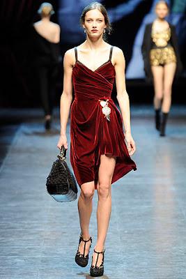 Dolce gabbana red velvet dress