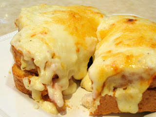Munch+Nibble: Croque Monsieur - The Uber Ham and Cheese Sandwich