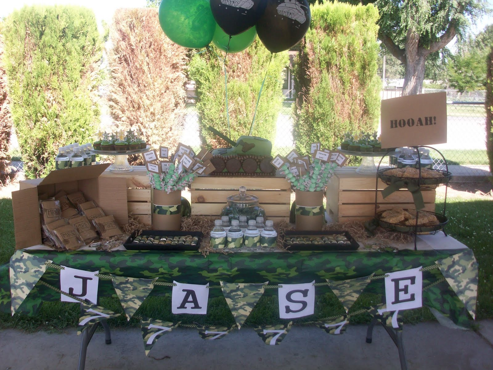 Sweete parties army theme treat table for Army theme party decoration ideas