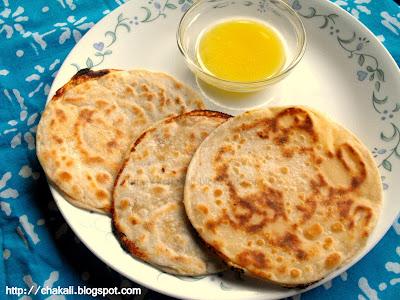 khavyachya Polya, pakvanna, god dhod, pancha pakvanna, Khoya Roti, Sweet Roti, Sweet Poli