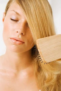 how to clean hairbrush, how to clean comb