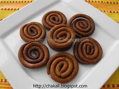 chakali, kadboli, diwali faral, ladoo, ladu, chiwda, chivda, maharashtrian diwali faral