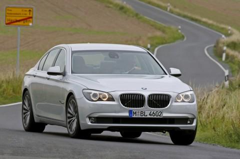 [2009+BMW+7+Series+4.jpg]