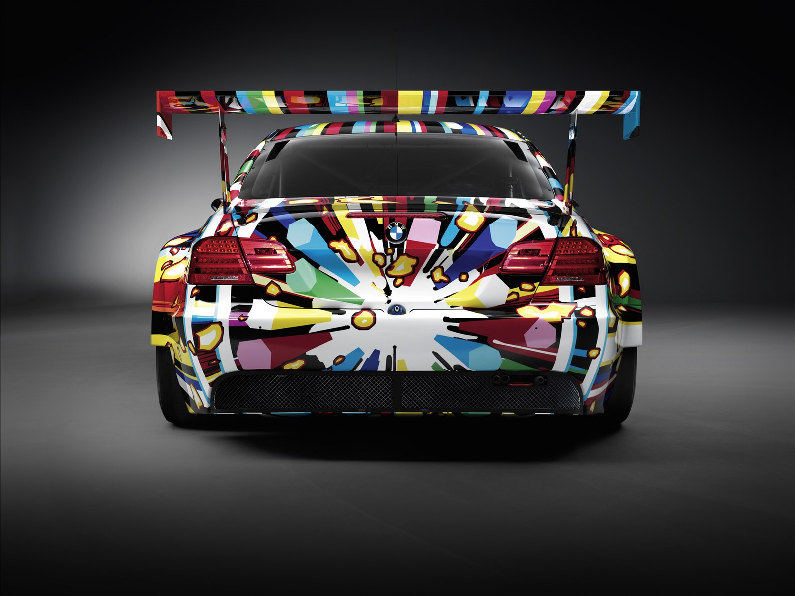 ultimate machines bmw art car at 24 hour le mans. Black Bedroom Furniture Sets. Home Design Ideas