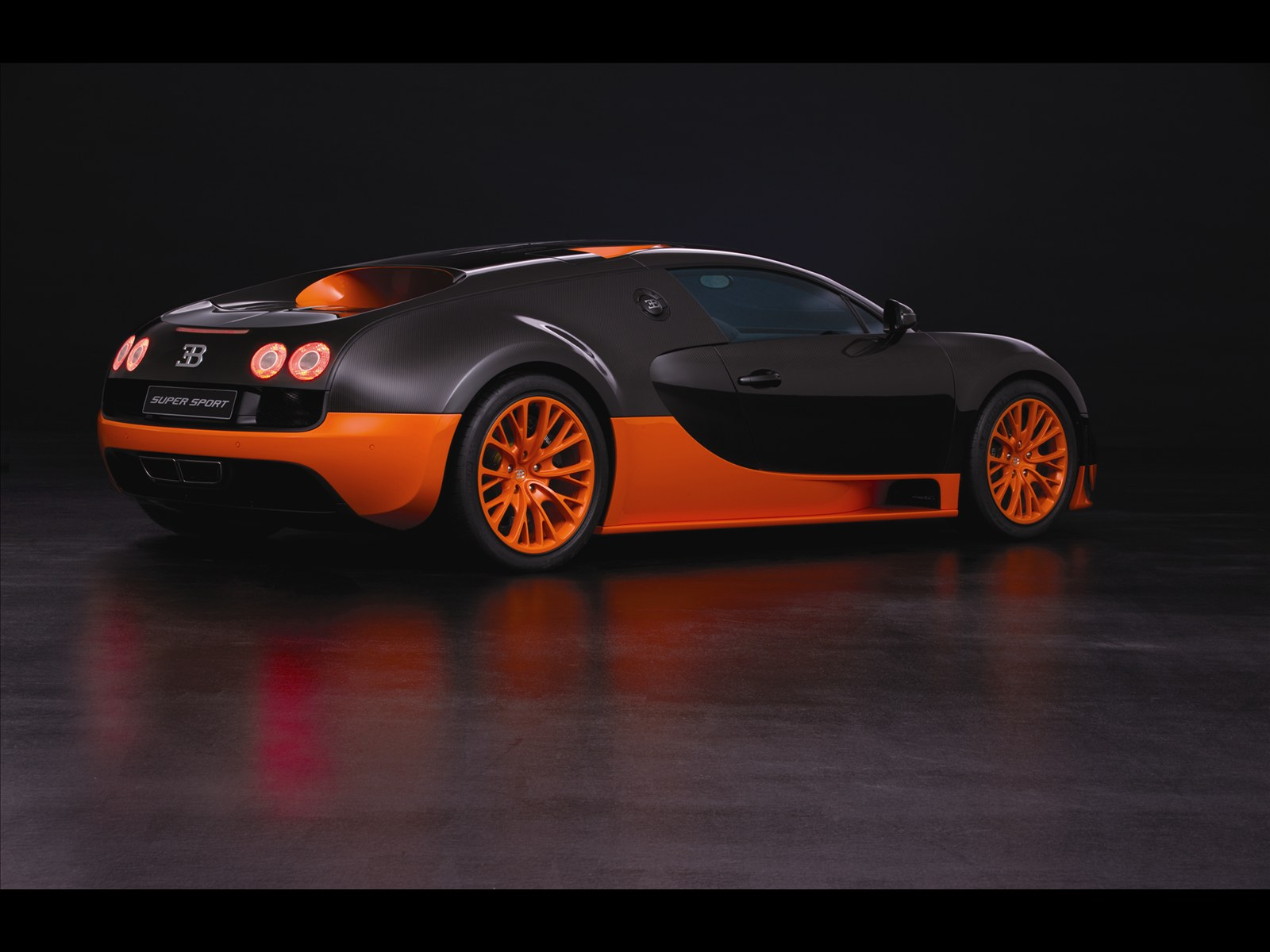 ultimate machines bugatti veyron 16 4 super sports car 2011. Black Bedroom Furniture Sets. Home Design Ideas