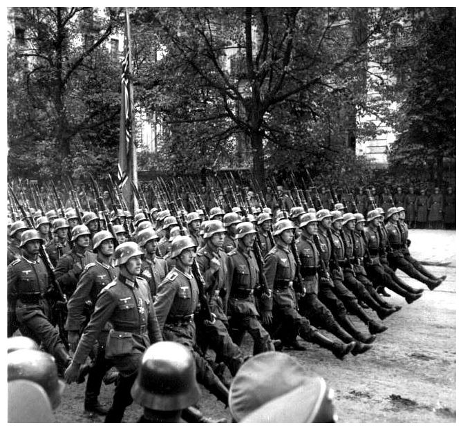 [Image: ww2-invasion-poland-second-world-war-two...march.jpeg]