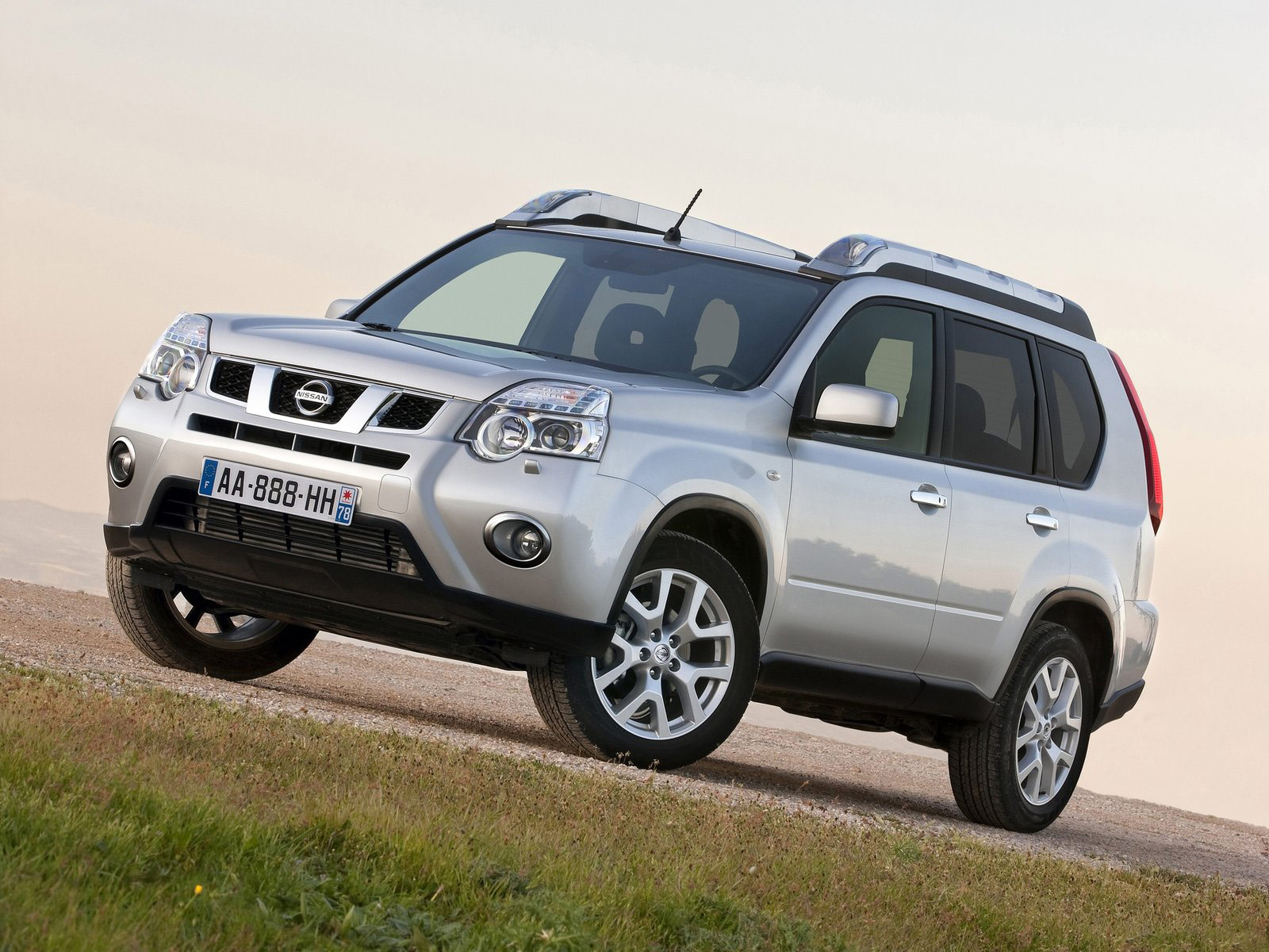 2011 nissan x trail car photos wallpapers. Black Bedroom Furniture Sets. Home Design Ideas