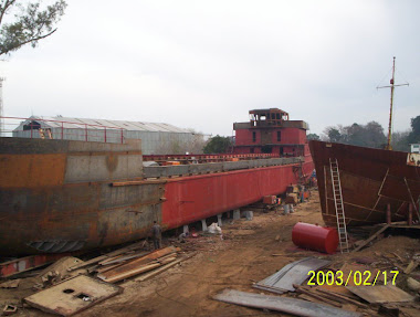 Participacion, cordinacion de la trasformaccion y construcion del buque arenero IRIS.