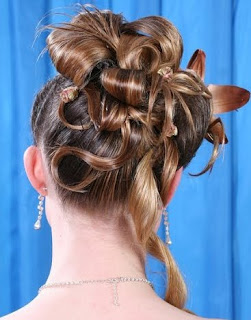 Cool Prom Updos For Girls