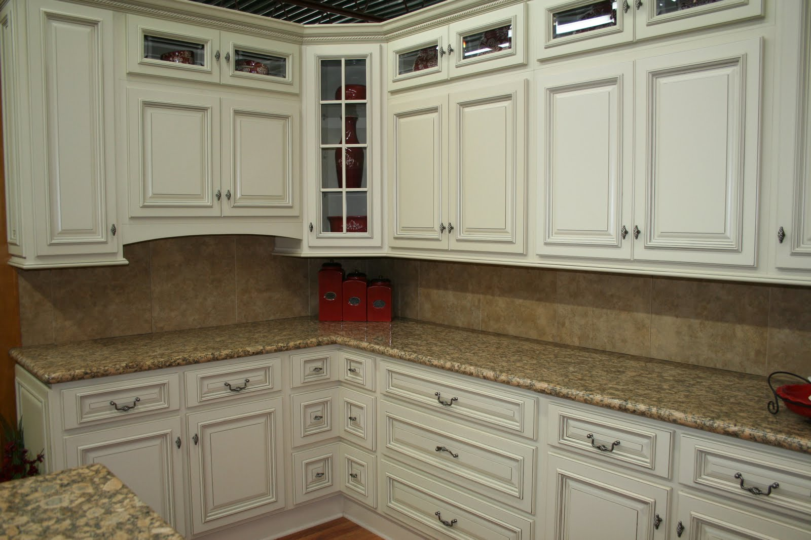 Kitchen cabinet refacing techniques - Redesigning Your Cabinets Can Give Your Kitchen A Whole New Look Without Breaking The Bank But What S The Best Route To Take Refacing Or Replacing