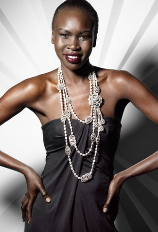 alek wek boyfriend. Alek Wek gorgeous for Dutch
