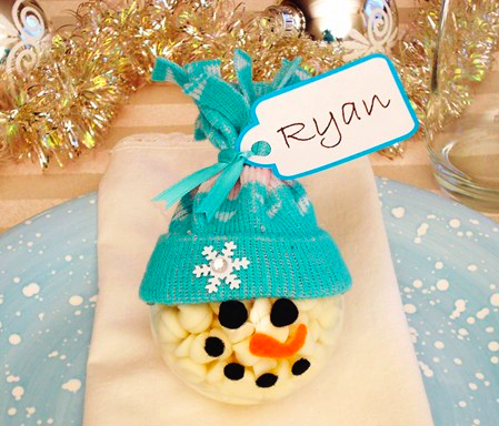 Holiday Gift Guide Feature Craft Idea! Christmas Place Cards ...