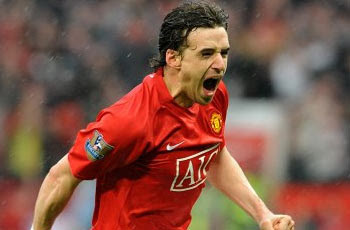 Owen Hargreaves celebrates after scoring against Arsenal