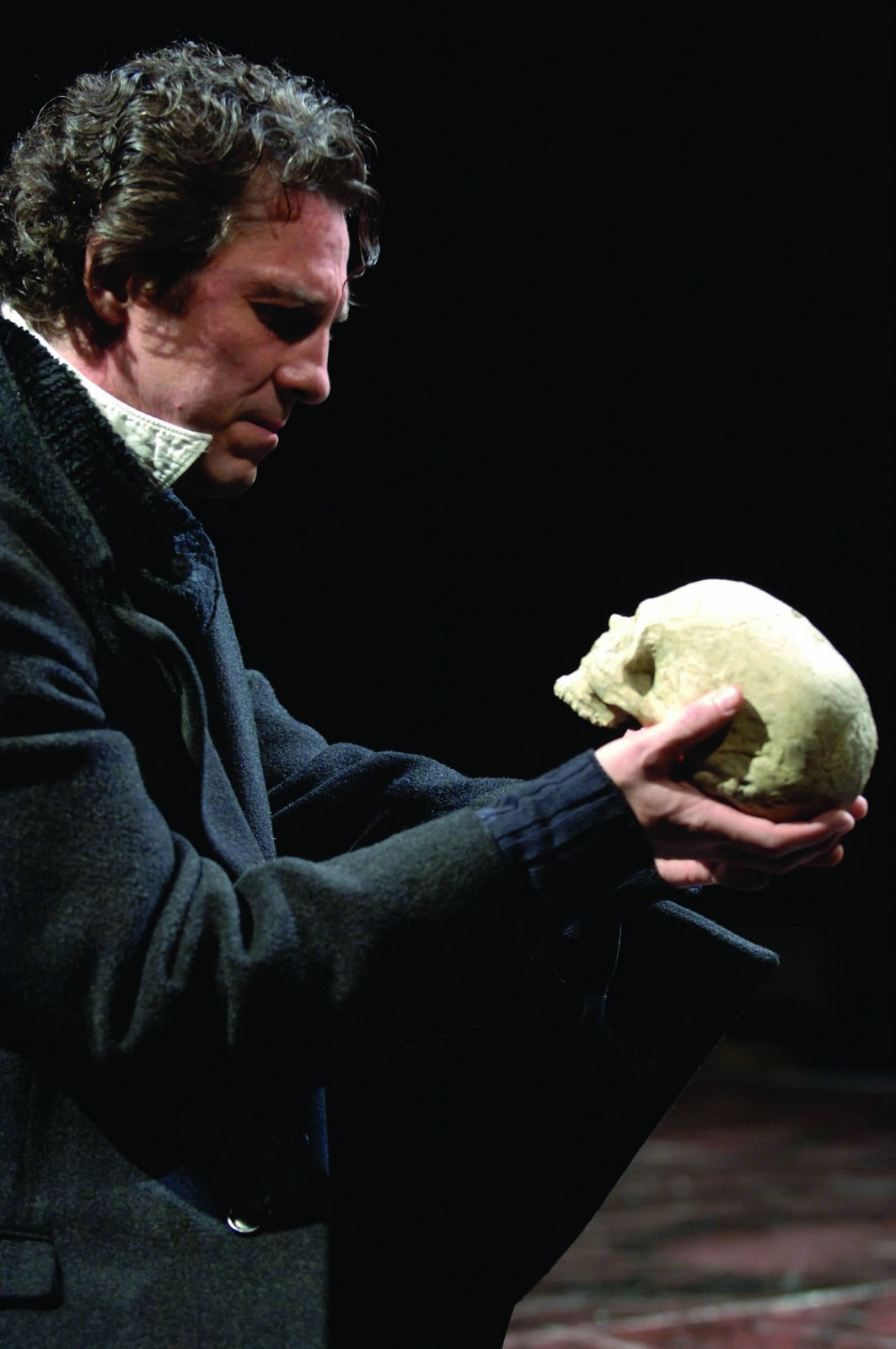 shakespeare's hamlet Legacy theatre is doing hamlet in guilford and elm shakespeare is offering  love's labour's lost in new haven this summer, plus other.