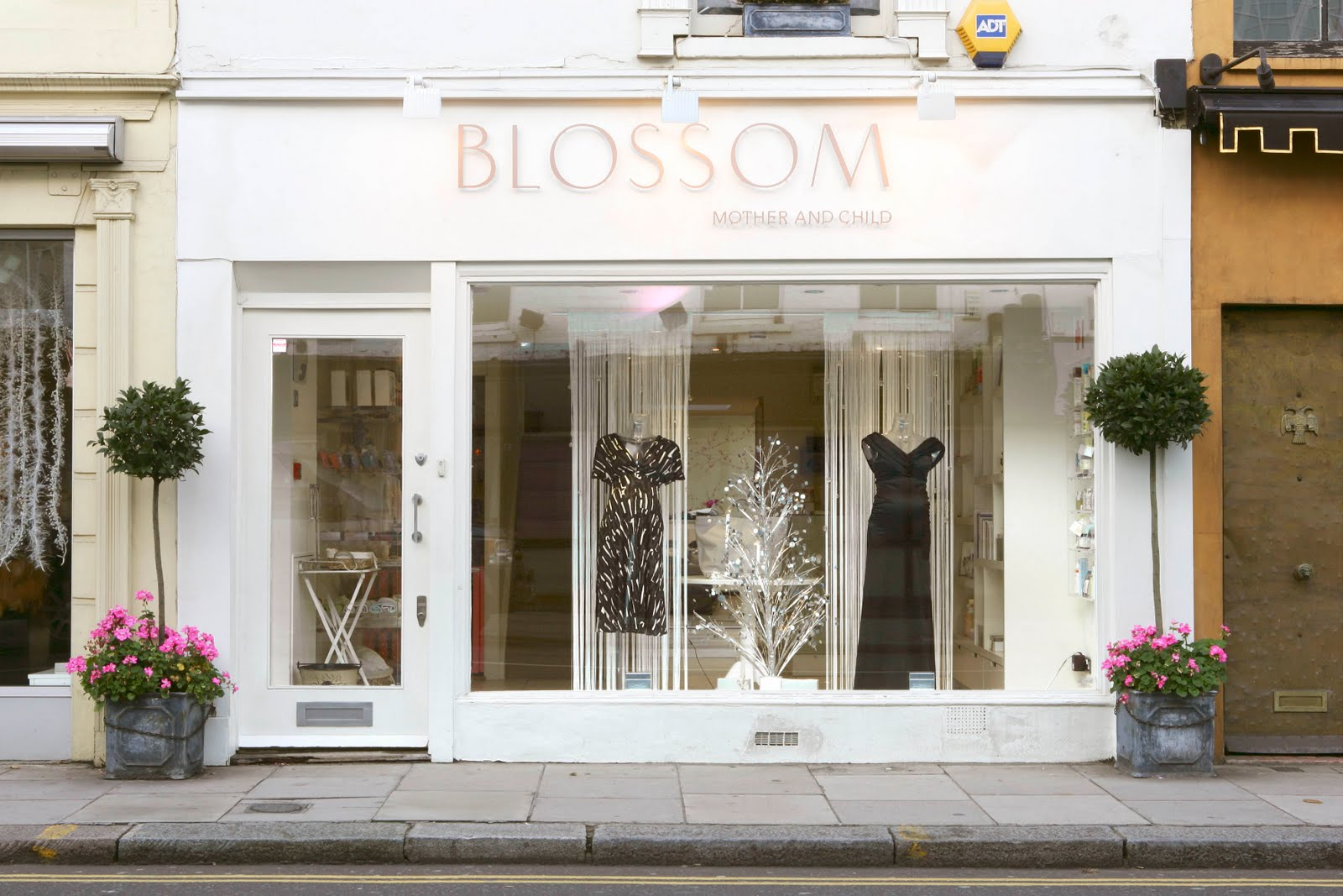 Final major project brief 3 shop fronts to mock up for Best boutiques