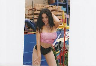 Mariella Zanetti Mariella Zanetti mostrando sus encantos!!