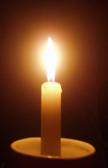 http://3.bp.blogspot.com/_LuSK7C80RsU/S_UWPqDFu4I/AAAAAAAAAWk/fOsrTe_5TUk/s1600/lilin.jpg