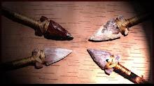 Pontas de flecha em pedra e osso lapidado.