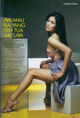Foto Hot dan Bugil Sandra Dewi Di Laptop Ariel1